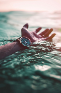 timepiece-in-water